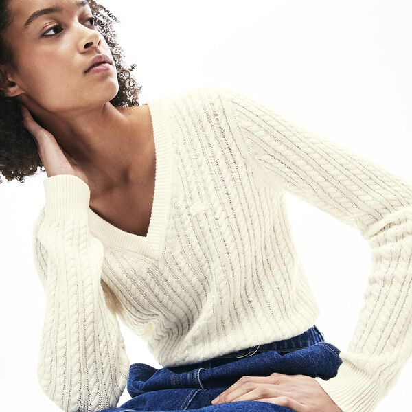 Women's Classic Cable V Neck Knit, FLOUR, hi-res